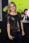 LOS ANGELES - SEP 10:  Shawn Johnson arrives to the