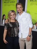 LOS ANGELES - SEP 10:  Shawn Johnson & Derek Hough arrives to the