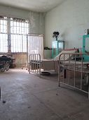 foto of alcatraz  - Abandoned Hospital Room at Alcatraz Prison - JPG
