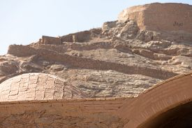 foto of zoroastrianism  - tower of silence Yazd Zoroastrian tradition considered a dead body to be nasu unclean - JPG