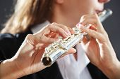 picture of transverse  - Musician playing flute - JPG