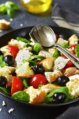 Постер, плакат: Italian Salad Panzanella With Chicken And Lamb`s Lettuce