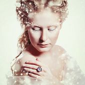 pic of snow queen  - Winter beauty woman portrait - JPG