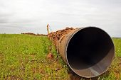 picture of oil rig  - Construction of the pipeline - JPG