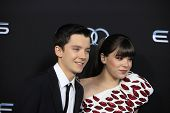 LOS ANGELES - OCT 28:  Asa Butterfield, Hailee Steinfeld at the