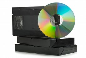 picture of analogy  - Analog video cassettes with DVD disc  - JPG