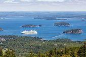 Постер, плакат: Cruise Ship In Bay From Cadillac Mountain