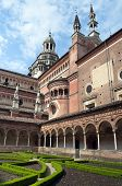pic of carthusian  - Italian Monastery inner garden Certosa di Pavia - JPG