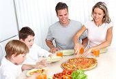Постер, плакат: Семьи пицца