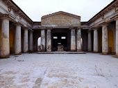 picture of burial  - Magnificent building - JPG