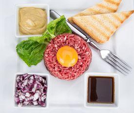 pic of tartar  - Close up of beef tartar - JPG