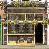 foto of british culture  - Facade of a typical pub - JPG