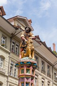 foto of samson  - slaying the lion 16th century traditional colourful fountains  - JPG