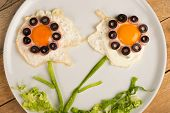 pic of olive shaped  - Fried egg in the shape of fancy flowers kid food - JPG