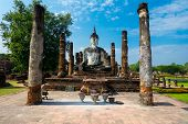foto of budha  - Sitting Budha in Wat Mahathat - JPG