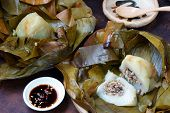 picture of food pyramid  - Vietnamese food name Banh Gio - JPG