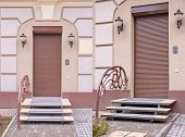 foto of jalousie  - Entrance to the house with brown jalousie closed - JPG
