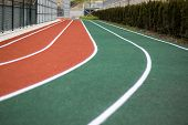 pic of track field  - track and field  - JPG