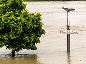 foto of flood  - flood 2013 linz - JPG