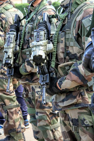 pic of gunfights  - Ready for combat - JPG