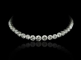 pic of collier  - A high jewellery necklace made by round diamonds on a black background with reflection - JPG