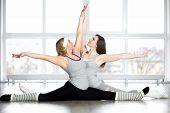 picture of do splits  - Dance lesson - JPG