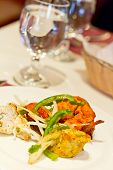 foto of green onion  - Indian grilled chicken with sliced green peppers bean sprouts and onions  - JPG