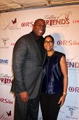 LOS ANGELES - NOV 21:  Magic Johnson, Cookie Johnson at the