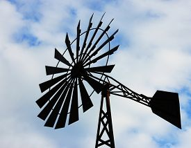 picture of windmills  - OLd water pumping windmill - JPG