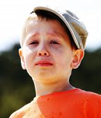 picture of crying boy  - Sad child - JPG