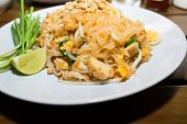 picture of rice noodles  - Pad Thai - JPG