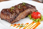 picture of crust  - Grilled sirloin steak - JPG