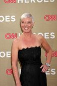 Los Angeles Dec 11: Tabatha coffey kommt bei den 2011 Cnn Heroes Awards im Schrein Auditorium