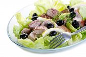 pic of yellowfin tuna  - grilled tuna over green salad - JPG