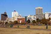 picture of memphis tennessee  - Memphis skyline from Tom Lee park Tennessee - JPG