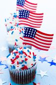 pic of patty-cake  - Patriotic holiday cupcakes decorated for july 4th - JPG