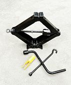 picture of fulcrum  - car hand lifter set for tire changing - JPG