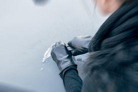 picture of scrape  - Winter driving  - JPG