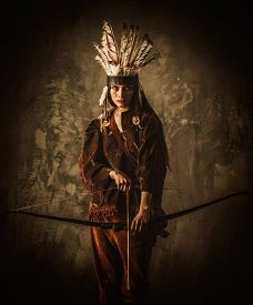 image of indian chief  - Indian woman warrior with bow  - JPG