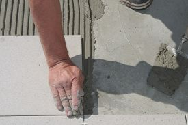 picture of grout  - On this picture is hands - JPG