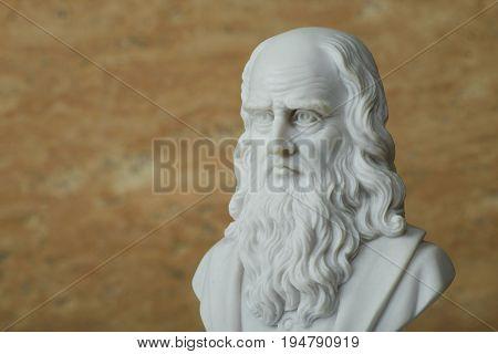 Statue of Leonardo
