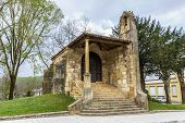 pic of chapels  - Chapel of the Holy Cross in Cangas de Onis Asturias - JPG