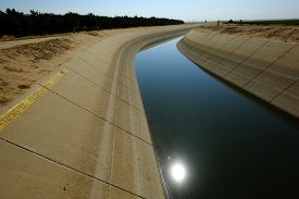 picture of water shortage  - The water level is very low in a main irrigation canal in Central California - JPG