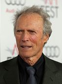 LOS ANGELES - 03 de NOV: Clint Eastwood que chegam para