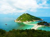 picture of yuan  - three islands connected by a sand bar in the ocean - JPG