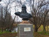 picture of yuri  - Yury Dolgoruky Monument on the territory Goritsky monastery in Pereslavl - JPG