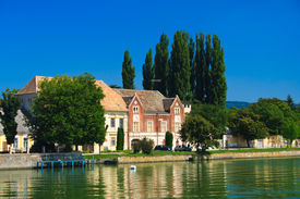 image of tatas  - House with green lake in Tata Hungary - JPG