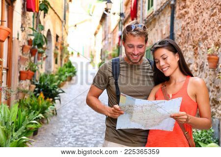 Europe travel tourists couple looking