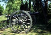 foto of yanks  - Napoleon 12 lb cannon Confederate lines Civil War battlefield Gettysburg National Battlefield Park Pennsylvania - JPG