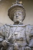 Постер, плакат: A Statue Of King Henry Viii Located Above The Henry Viii Gate At St Bartholomews Hospital In The Ci